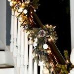Brilliant Christmas Garland Decorating Ideas 206