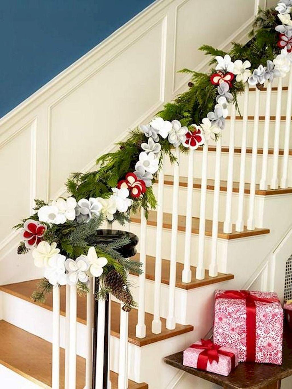 Brilliant Christmas Garland Decorating Ideas 227