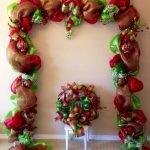 Brilliant Christmas Garland Decorating Ideas 233