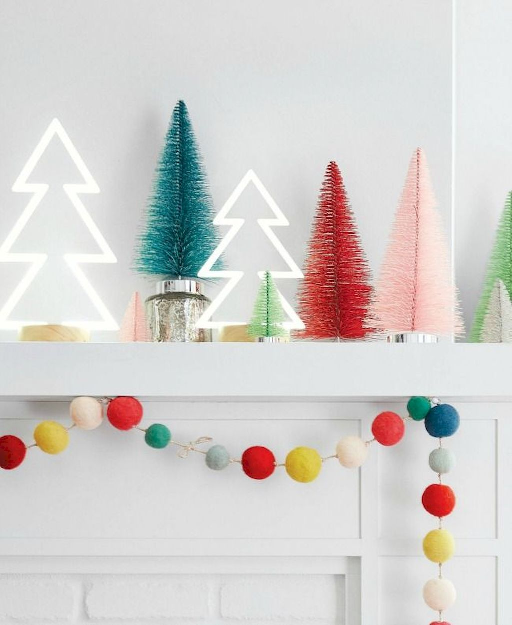 Brilliant Christmas Garland Decorating Ideas 241
