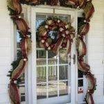 Brilliant Christmas Garland Decorating Ideas 257