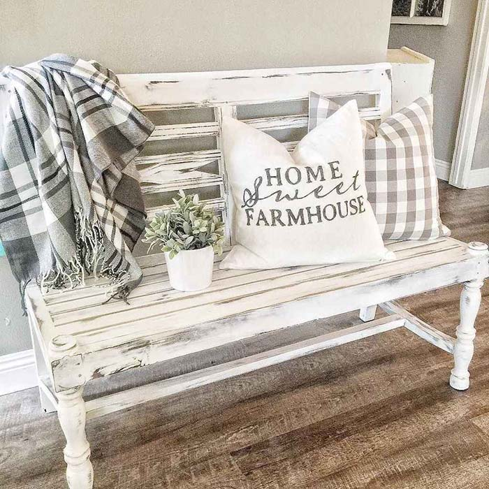 Farmhouse Front Porch Bench #farmhouse #rustic #porch #decor #decorhomeideas