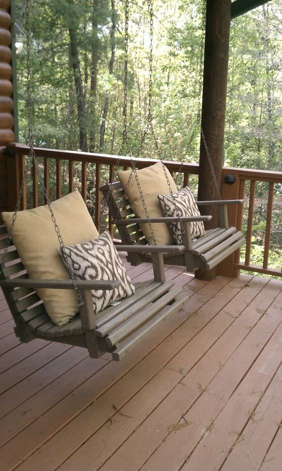 Farmhouse Front Porch Swing Chairs #farmhouse #rustic #porch #decor #decorhomeideas