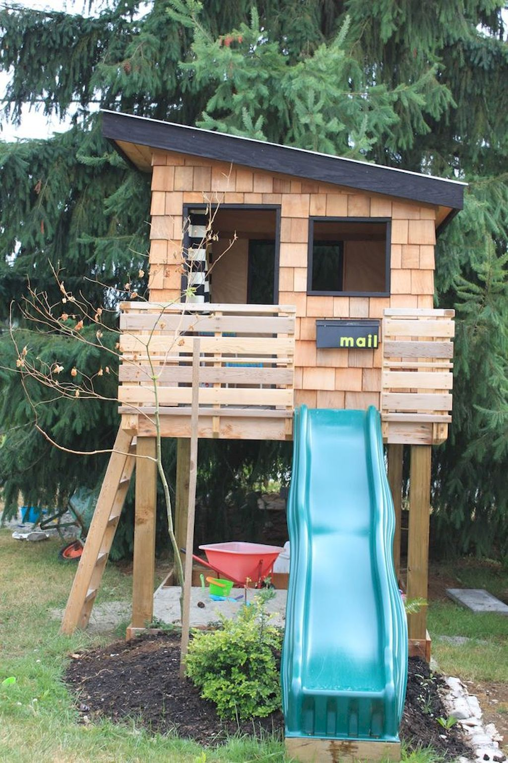 Marvelous Playhouse Plan Into Your Existing Backyard Space