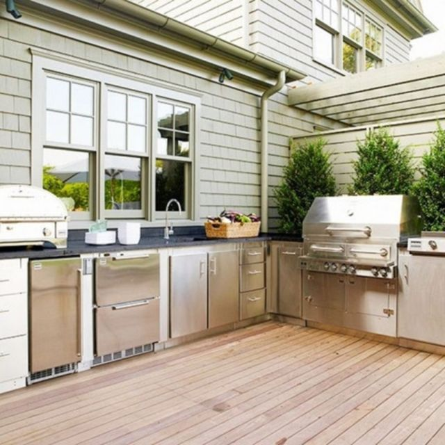 Modern Style Outdoor Kitchen 1
