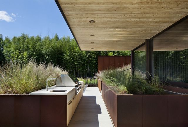 Modern Style Outdoor Kitchen 3