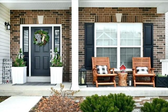Rustic Style Front Porch Decoration Ideas 3