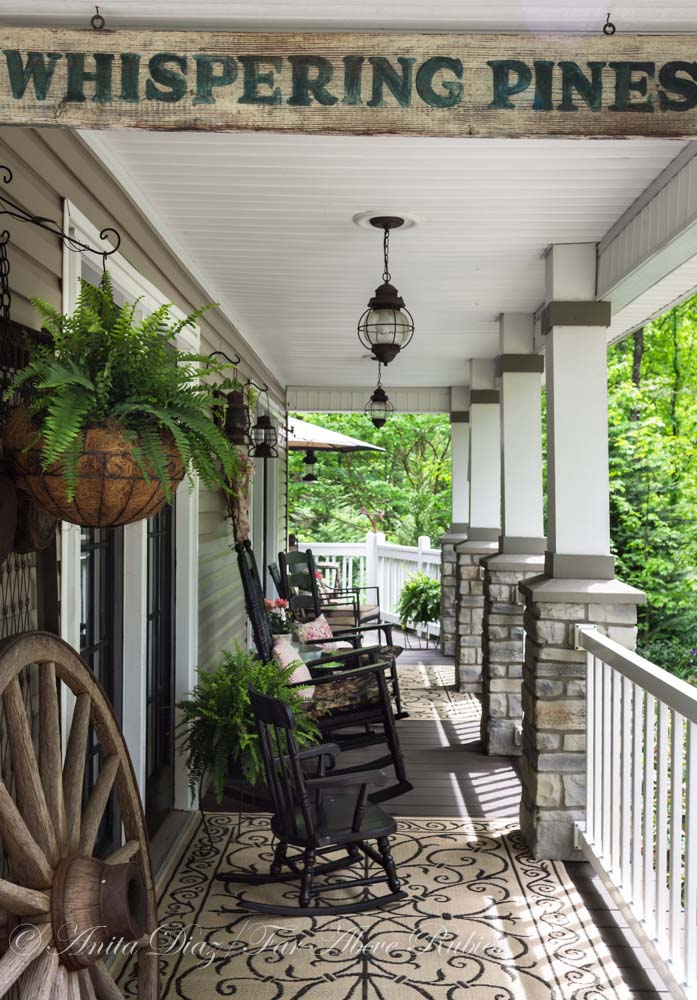 Vintage Rustic Farmhouse Front Porch #farmhouse #rustic #porch #decor #decorhomeideas