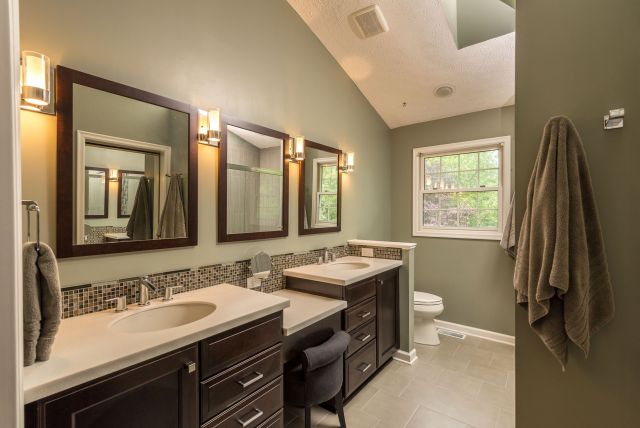 Wall Paint Color Combination Ideas For Bathrooms 2