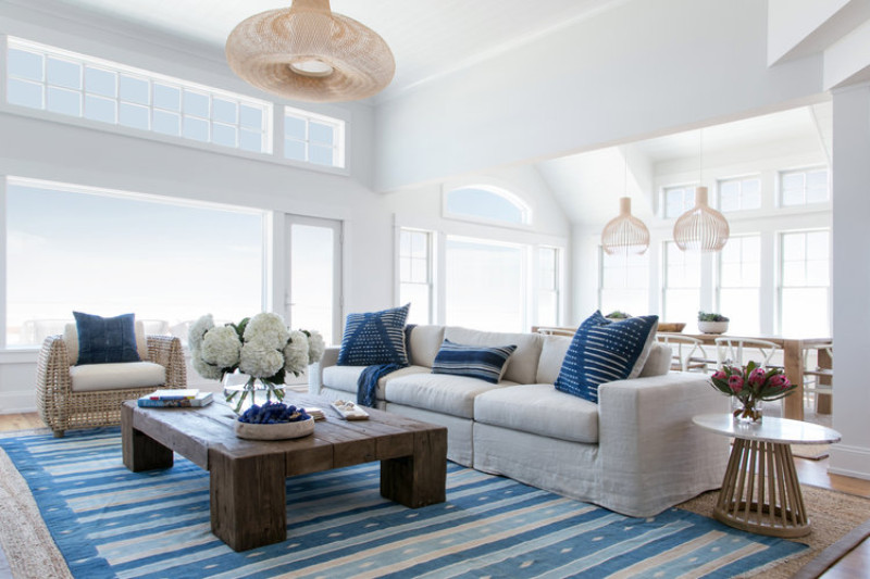 The Sapphire Accents Living Room with its true blue rug and throw pillows give the feel of a Grecian beachside paradise