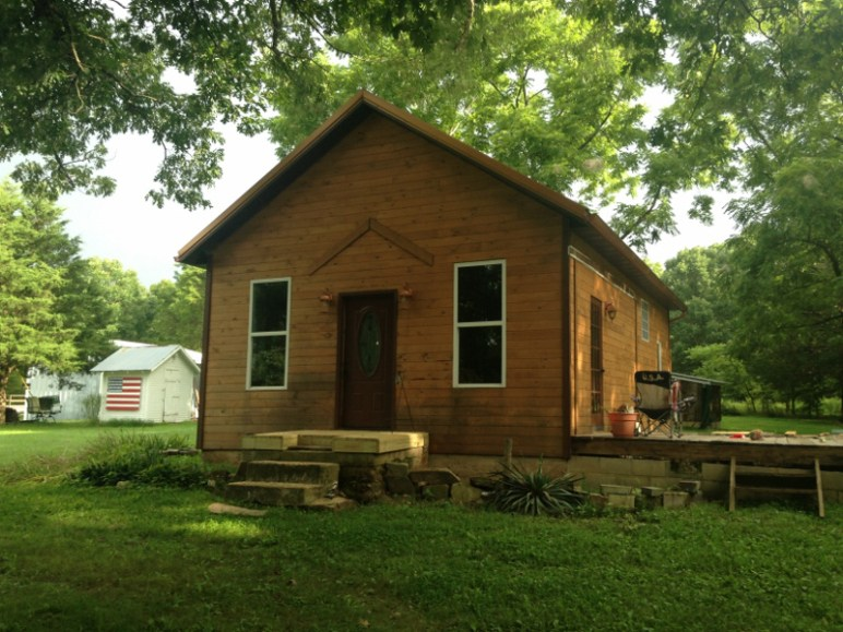prefabricated-tiny-wood-house